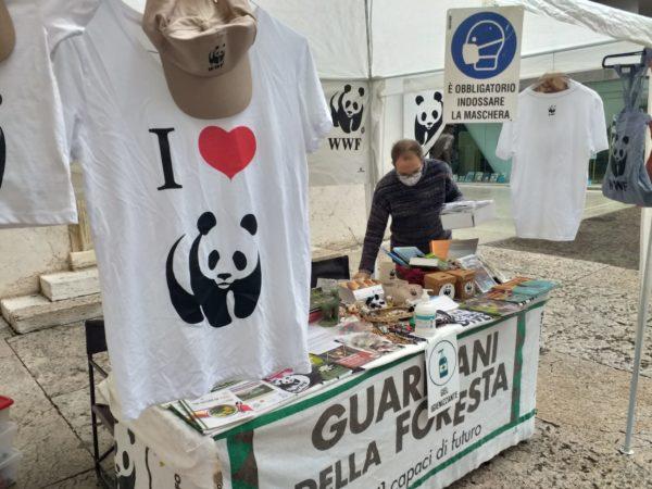 Banchetti WWF Via Cappello